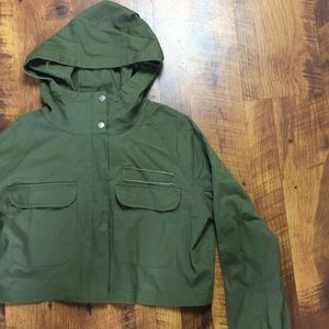 NWOT ARMY GREEN HOODED CROP JACKET